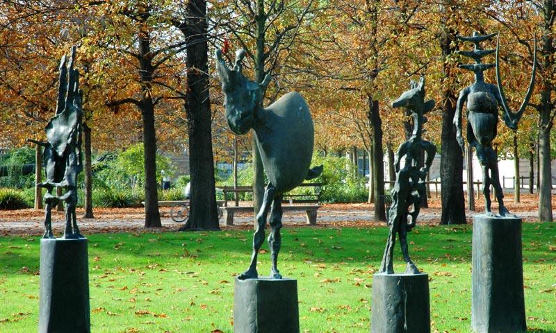 Paris 1er richier echiquier - Sculpture jardin des tuileries ...